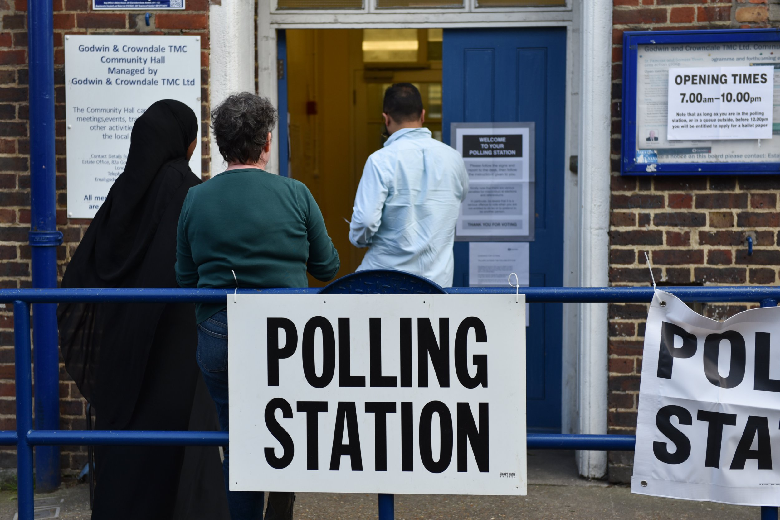 Government could be sued for discrimination after EU citizens denied vote