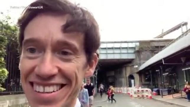 METRO GRAB TWITTER Rory Stewart selfie videos https://twitter.com/RoryStewartUK/status/1132964295174688768