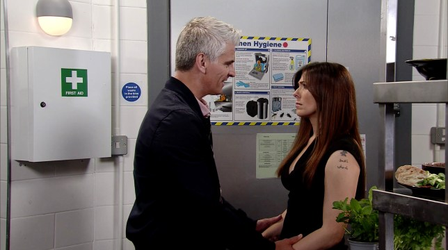 Robert tries to convince Michelle in Coronation Street