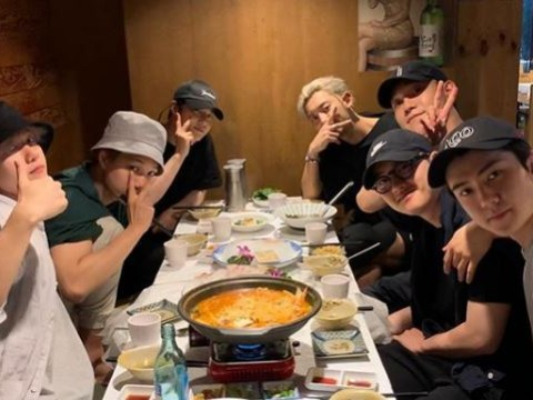 EXO say goodbye to D.O. with family dinner ahead of his military enlistment
