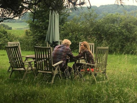 No one is buying 'staged' pictures of Boris and Carrie in Sussex field