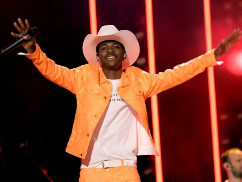 What are the Old Town Road lyrics and what is the meaning behind the Lil Nas X track?