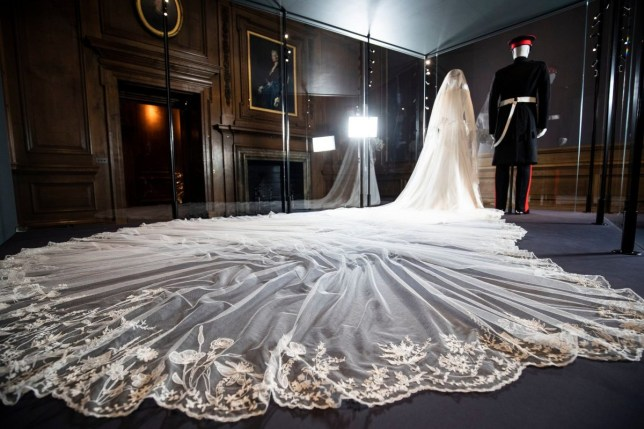 Royal Wedding Dress Meghan Markle.Meghan Markle S Wedding Dress Goes On Display To The Public From