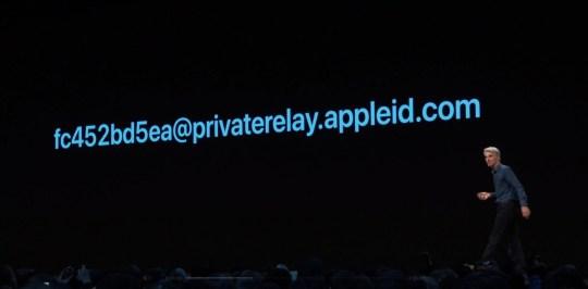 Výsledek obrázku pro login with Apple iOS 13