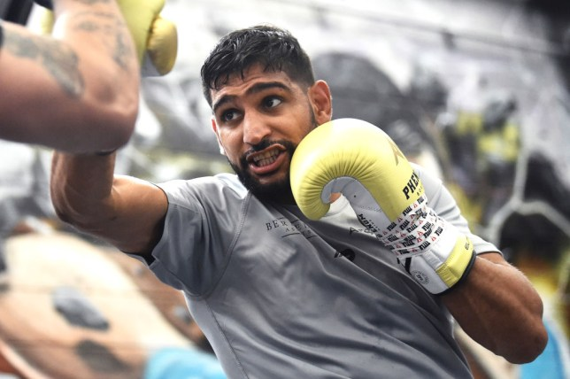 What time does the Amir Khan vs Billy Dib fight take place tonight and how to watch it
