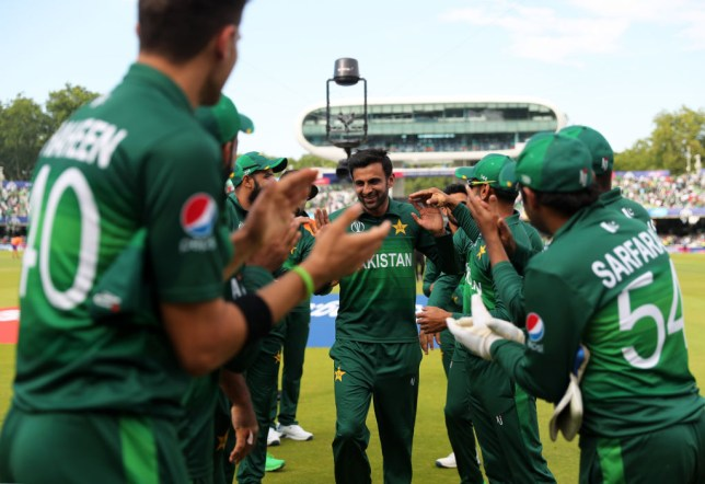 Shoaib Malik leaves the field after Pakistan's final World Cup game