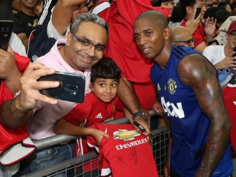 Man Utd fans boo Ashley young during pre-season friendly against Inter