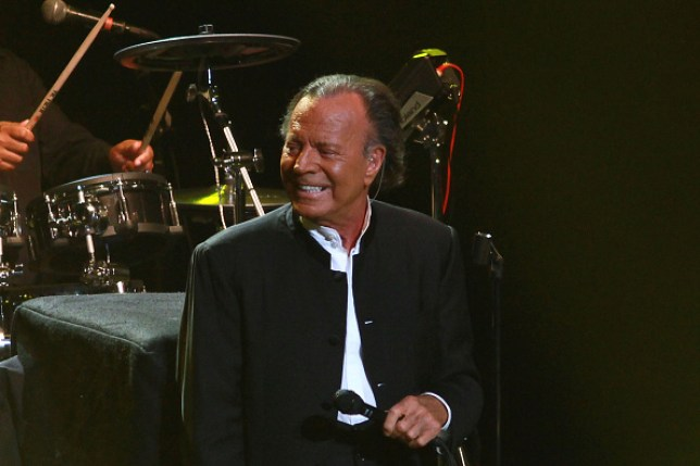 Julio Iglesias on tour