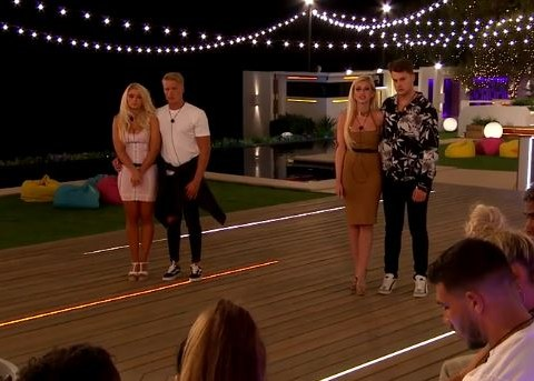 Love Island's Amy Hart branded 'awkward' in dumping before she quits villa