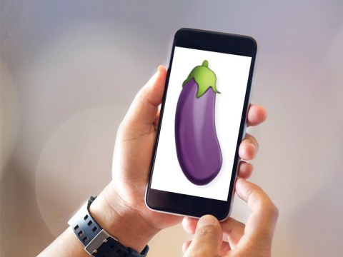 Porn site offers free virtual blowjobs direct to your phone