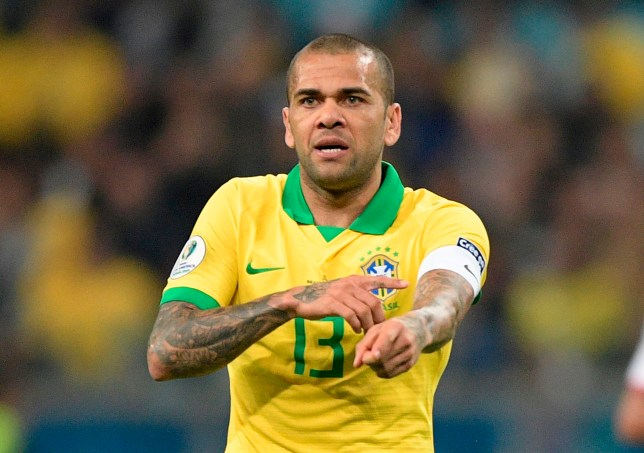 Dani Alves is reportedly keen to join Arsenal on a free transfer