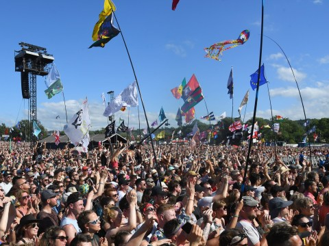 What time is the Glastonbury ticket registration deadline tonight?