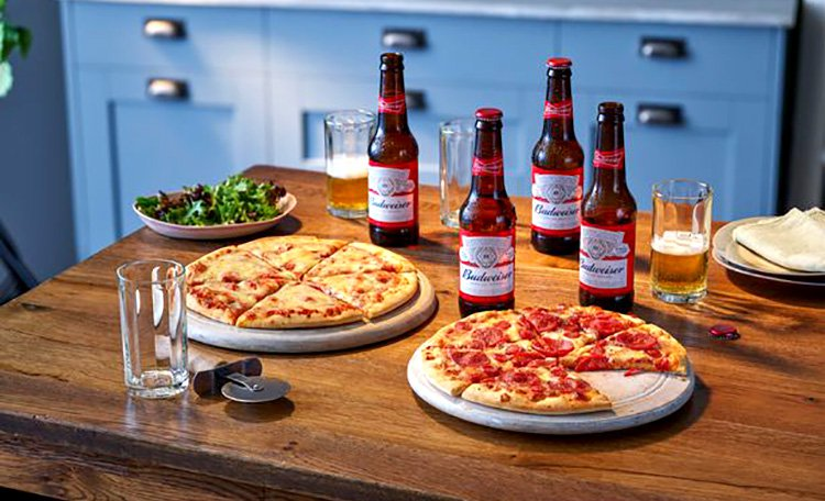 Two pizzas and 4 beers, an offer being sole by Co-op