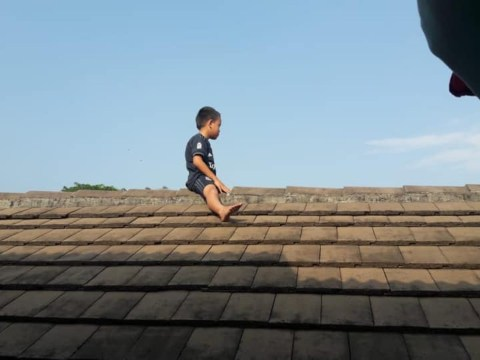 Boy, 5, hides on roof to try and avoid being circumcised
