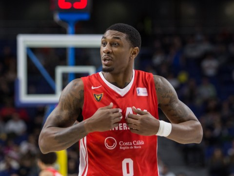 Who does Love Island's Ovie play basketball for?