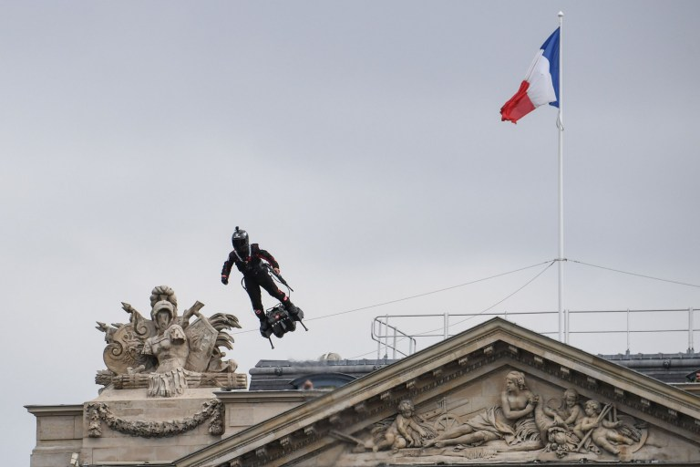 France unveils soldier who soars about with an assault rifle