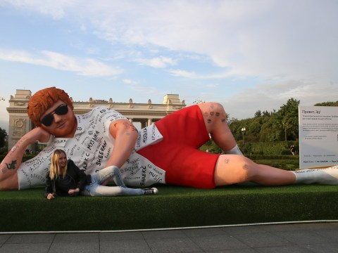 Giant figure of Ed Sheeran rocks up in Moscow ahead of his Russia concert and we're absolutely screaming
