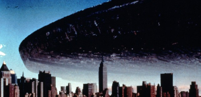 Editorial use only Mandatory Credit: Photo by Snap/REX (390938fn) FILM STILLS OF 'INDEPENDENCE DAY' WITH 1996, ALIEN INVASION, NEW YORK CITY, SCI-FI, ALIENS, CITY SCAPE, FLYING SAUCER, UFO, ATTACKING IN 1996 VARIOUS