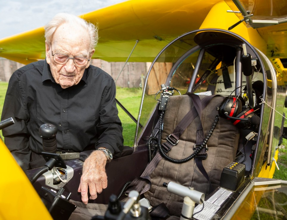 Ernie Horsfall, 101, inspects alight aircraft (Picture: Lee McLean / SWNS)