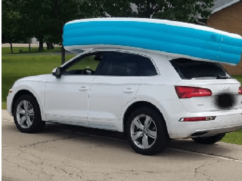 'Bad mom' drove around with children in inflatable pool on roof of her car