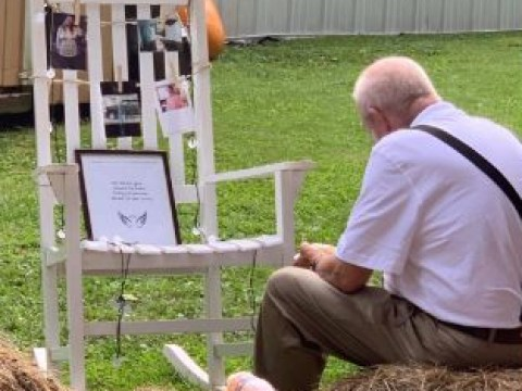 Tearjerking photo shows grandpa dining with empty chair left for his late wife