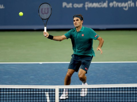 Roger Federer and Novak Djokovic advance in Cincinnati as Serena Williams pulls out