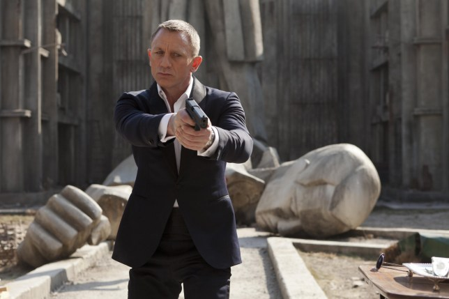 Editorial use only. No book cover usage. Mandatory Credit: Photo by Danjaq/Eon Productions/Kobal/REX (5886236cw) Daniel Craig Skyfall - 2012 Director: Sam Mendes Danjaq / EON Productions UK/USA Scene Still