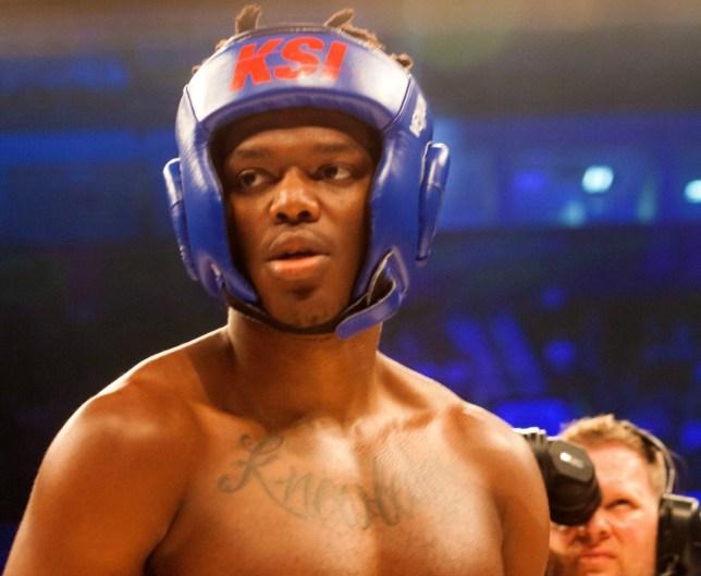 Youtuber KSI boxing