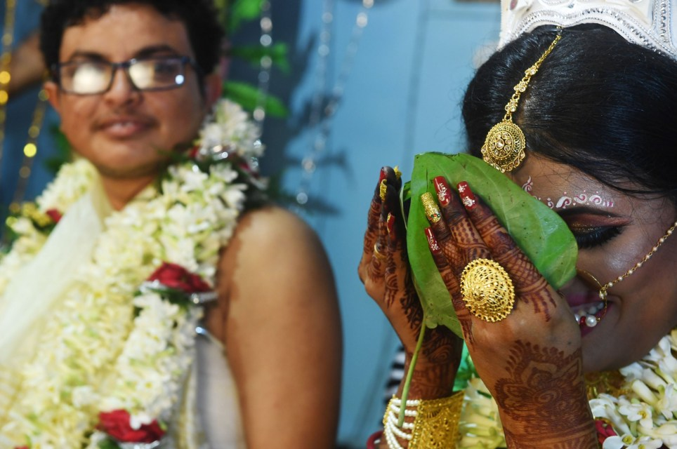 Transgender couple from India get married in Calcutta's