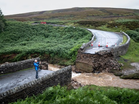 Temporary bridge saves path of prestigious world championship bike race