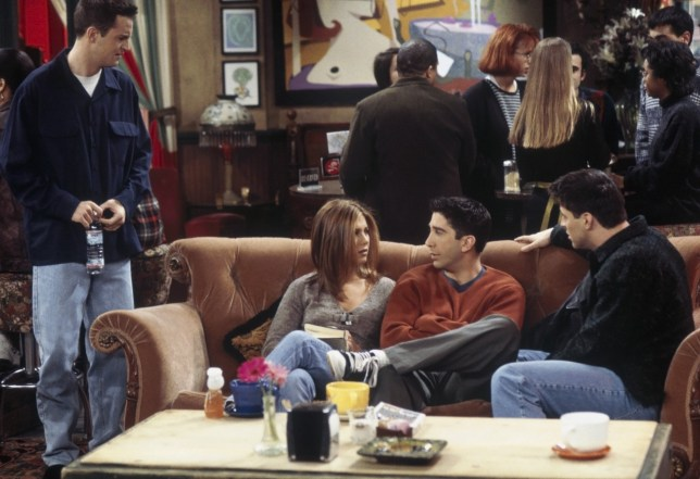 """FRIENDS -- """"The One Where Monica and Richard Are Just Friends"""" Episode 13 -- Pictured: (l-r) Matthew Perry as Chandler Bing, Jennifer Aniston as Rachel Green, David Schwimmer as Ross Geller, Matt LeBlanc as Joey Tribbiani -- Photo by: Chris Haston/NBCU Photo Bank"""