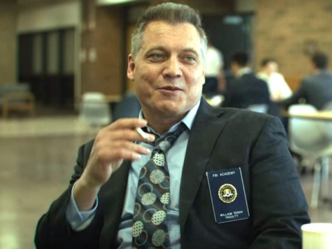 Mindhunter Bill Tench actor Holt McCallany doesn't smoke in real life and we're shook