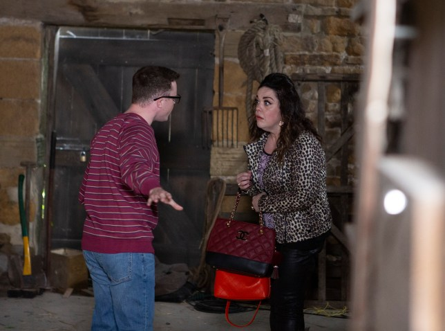 Mandy and Vinny argue in Emmerdale