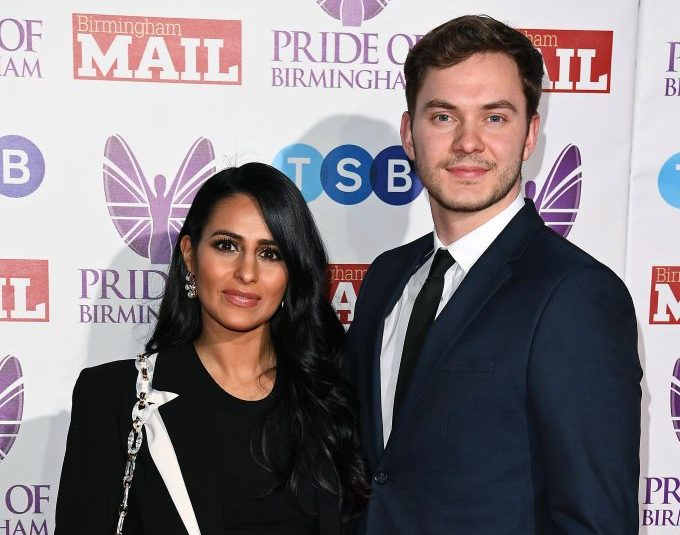 Sair Khan splits from boyfriend Simon Lennon