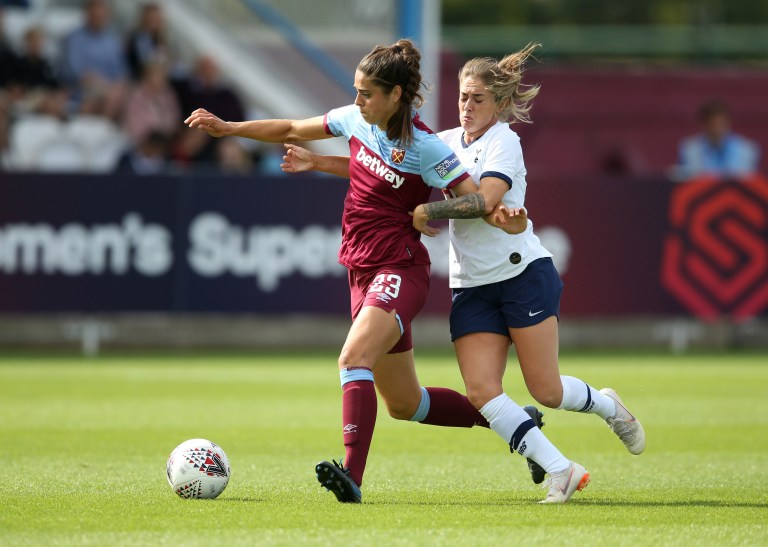 Coral-Jade Haines of Tottenham Hotspur Women and Tessel Middag of West Ham United Women on the pitch