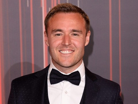 Coronation Street's Alan Halsall makes fans emotional with touching gesture to daughter Sienna during coronavirus lockdown