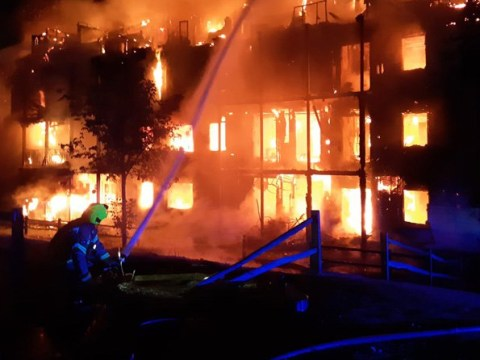 Worcester park fire rips through block of flats in south London