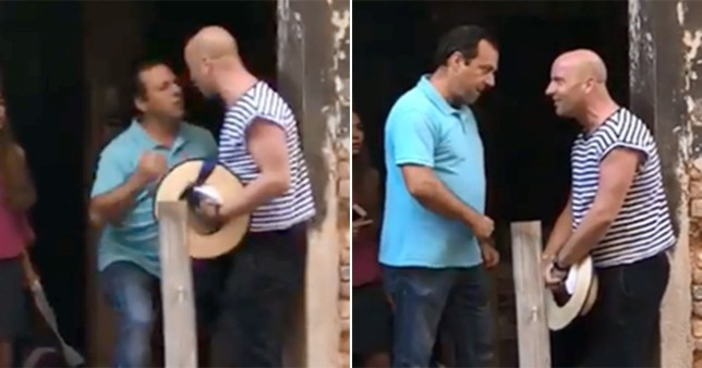 The tourist, in blue, grew into a rage at the gondolier - allegedly over selfie (Picture: Dixe el Duse)