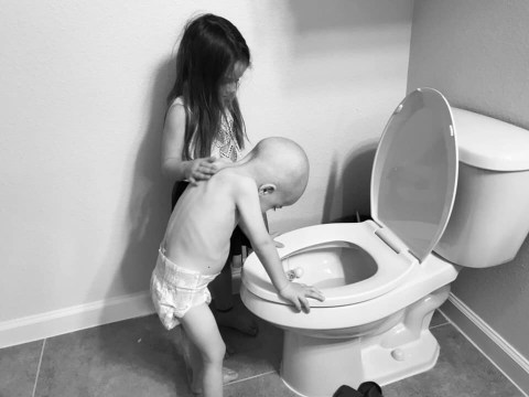Heartbreaking moment girl, 5, takes care of little brother with leukaemia