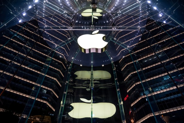 SHANGHAI, CHINA - 2019/09/08: American multinational technology company Apple store and logo seen at the IFC Mall in Shanghai. (Photo by Alex Tai/SOPA Images/LightRocket via Getty Images)