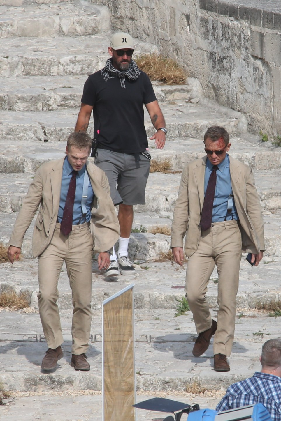 """James Bond actor Daniel Craig spotted filming """"No Time To Die"""" with blood on his face in Italy"""