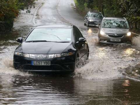 How to stay safe on the roads in bad weather