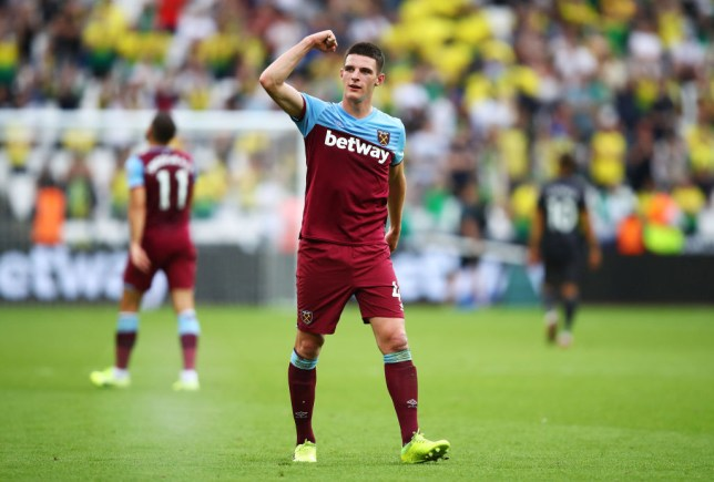 LONDON, ENGLAND - AUGUST 31: Declan Rice of West Ham United celebrates following his sides victory in the Premier League match between West Ham United and Norwich City at London Stadium on August 31, 2019 in London, United Kingdom. (Photo by Julian Finney/Getty Images)