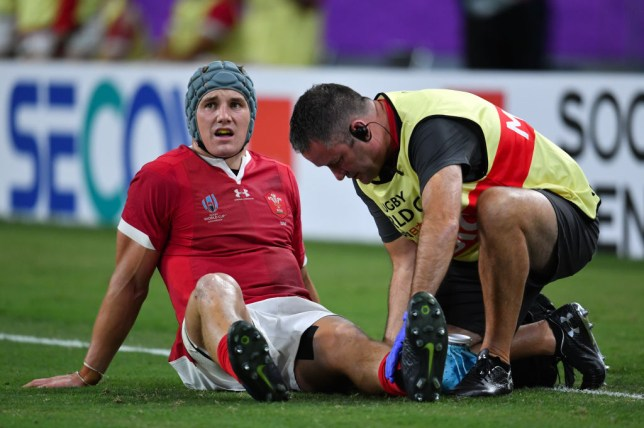 Jonathan Davies picked up the injury to his left knee when Wales beat Fiji