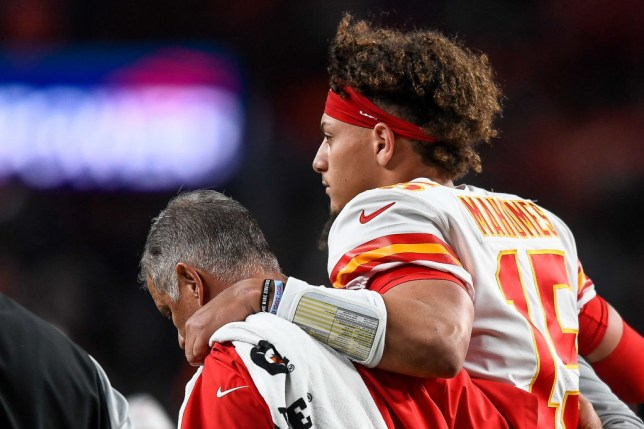 Chiefs quarterback Patrick Mahomes gives injury update after disoclating kneecap