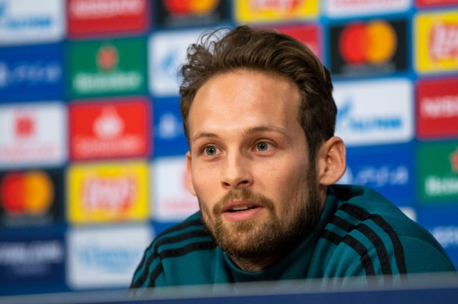 Manchester United situation is 'not nice to see' says former player Daley Blind, who has high praise for Chelsea