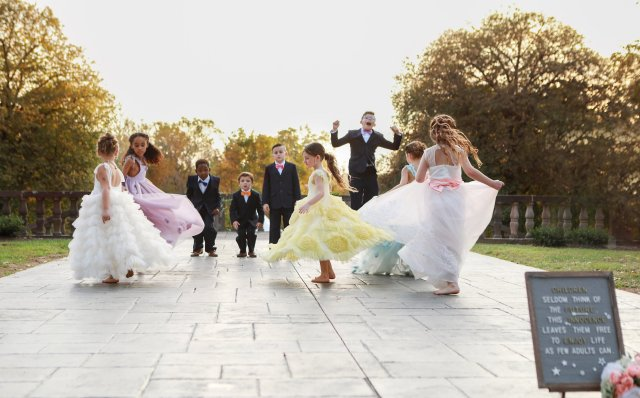 Frankie and Aubreys wedding guests enjoy the festivities
