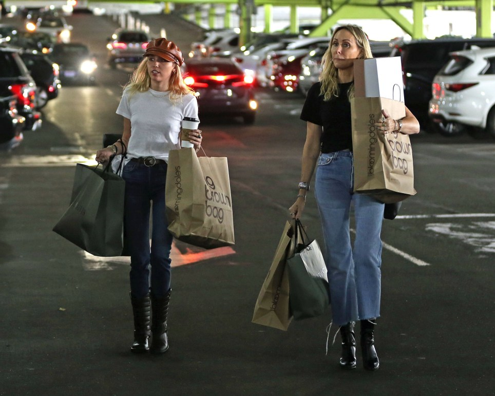 Miley Cyrus head out shopping with her mom Tish Cyrus at the Sherman Oaks Fashion Square Mall. 13 Oct 2019 Pictured: Miley Cyrus head out shopping with her mom Tish Cyrus at the Miley Cyrus head out shopping with her mom Tish Cyrus at the Sherman Oaks Fashion Square Mall. Photo credit: P&P / MEGA TheMegaAgency.com +1 888 505 6342