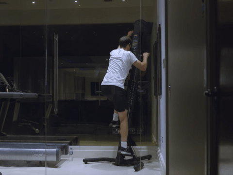 What is the climbing machine Andy Murray uses in 'Resurfacing' documentary?