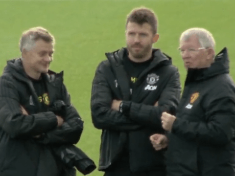 Sir Alex Ferguson has chat with Ole Gunnar Solskjaer at Man Utd training ground before Liverpool game